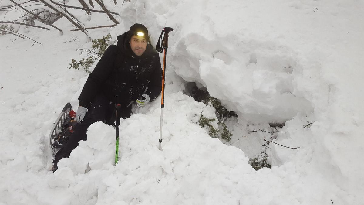 Giuseppe inizia a scavare
